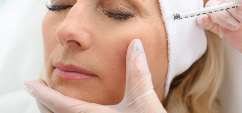 Botoxbehandling för att få ett lyft